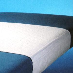 Inkontinenssisuoja vuoteeseen. Imukyky 1,7ltr/m2 (normaali), koko 75×90. Molemmilla sivuilla n. 50cm leveät siivekkeet antavat lisäjoustoa petauspatjan koon mukaan. Materiaali; 75% Polyester, 17% Polyurethan 8% Polyolefin, kosteussuoja: polyuretaani. Yläpuoli valkoinen, alaosa sininen. Voidaan pestä 95oC:ssa.