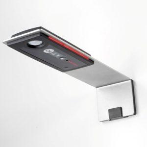 Liesivahti tarkkailee liesiympäristön lämpötilamuutoksia ja katkaisee tarvittaessa liedestä ja uunista virran. Ennen virran katkaisemista Siro R ilmaisee hälytyksen LED-valolla ja hälytyksellä.