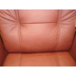 Ilmapumpulla säädettävä ristiseläntuki lisävarusteena Kippis-tuoleihin.