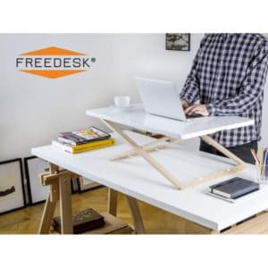 Pöytätaso freedesk lite seisomatyöhön. Kätevä apupöyta, jonka avulla voit tehdä mistä pöydästä tahanasa ergonomisen työpisteen. Muunna vaikka keittiön pöytä kotitoimistoksi. Säädettävä korkeus,, 9 porrasta. Käyttökuva