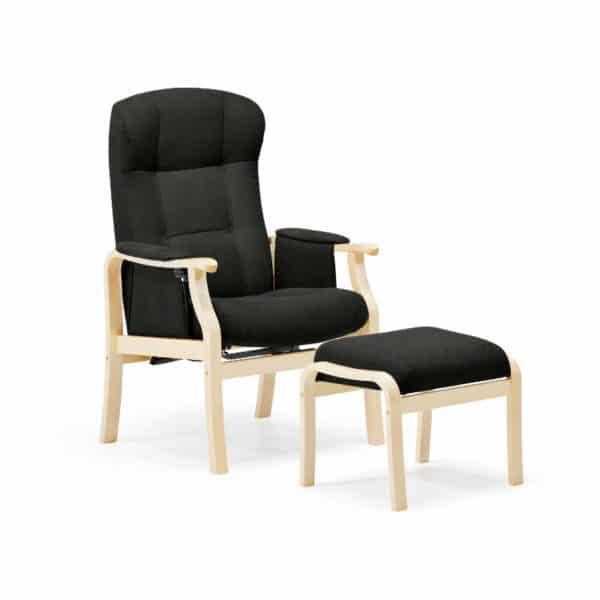 Seniorin nojatuoli Kippis, nopea toimituksen valikoima, kanha´gas grafiitin harmaa ja runko lakattu koivu. Mukava istua, helppo nousta ylös pitkien käsinojien ansiosta, mekaanisesti kallistettava selkänoja.