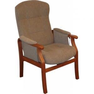 Nojatuoli Pikku-Kippis nojatuoli on ryhdikäs ja tukeva tuoli istua. Mahdollisuus sopivaan istuinkorkeuteen ja muotoillut tyynyt takaavat hyvän istuma-asennon. Käsin säädettävä kaasujousimekanismi kallistaa selkää portaattomasti. Riittävän eteen tulevat käsinojat helpottavat tuolista nousemista. Tuoli on valmistettu EU:n alueella.