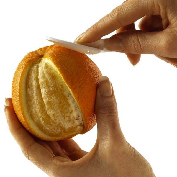 kätevetä sitrusvetisi sitrushedelmien kuorimiseen