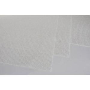 Soft-alusliina 40 x 60, 500kpl/ltk. Iso soft-alusliina pehmeästä materiaalista erilaisiin hoitotarkoituksiin esim. jalkahoitoon. Laatikossa 500 arkkia.