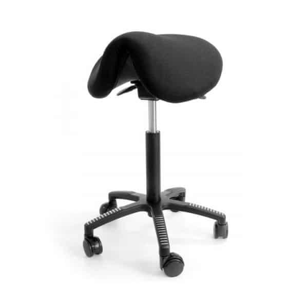 Satulatuoli soft mustaa, kestävää kangasta. Ryhdikäs istua, sinulle sopiva.