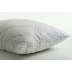 Tyynynsuojus Steadybody suojaa tyynyä ja on helppo irroittaa ja pestä.
