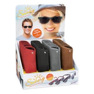 Sunny aurinkolukulasit suojaavat silmiä auringonpaisteessa lukiessa, neljä eri väriä. Kuva myyntitelineestä.