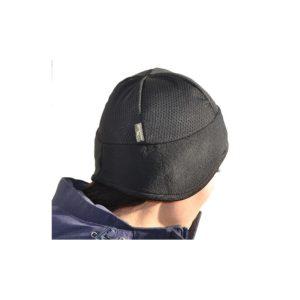 Otsapanta, jossa on hyvä muotoilu ja pään yli verkkokangas. Sopii pidettäväksi kypärän alla.