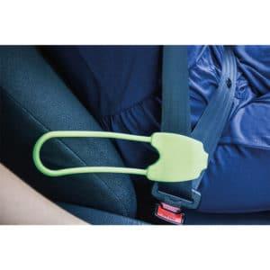 Turvavyön käsijatkeen avulla yletyt helpommin vetämäänturvavyön ja kiinnittämään sen paikalleen.